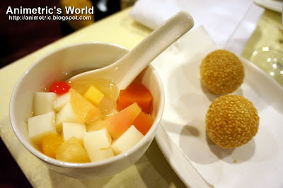Chilled Almond Jelly and Deep Fried Stuffed Sesame Balls with Lotus Paste at Passion Restaurant in Maxims Hotel, Resorts World Manila