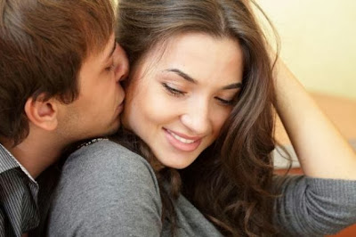 Women Are Happier When Men Feel Their Pain - Singles and married couples - man kiss woman behind holding