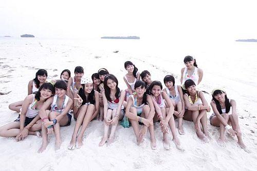 Foto JKT48 di Pantai