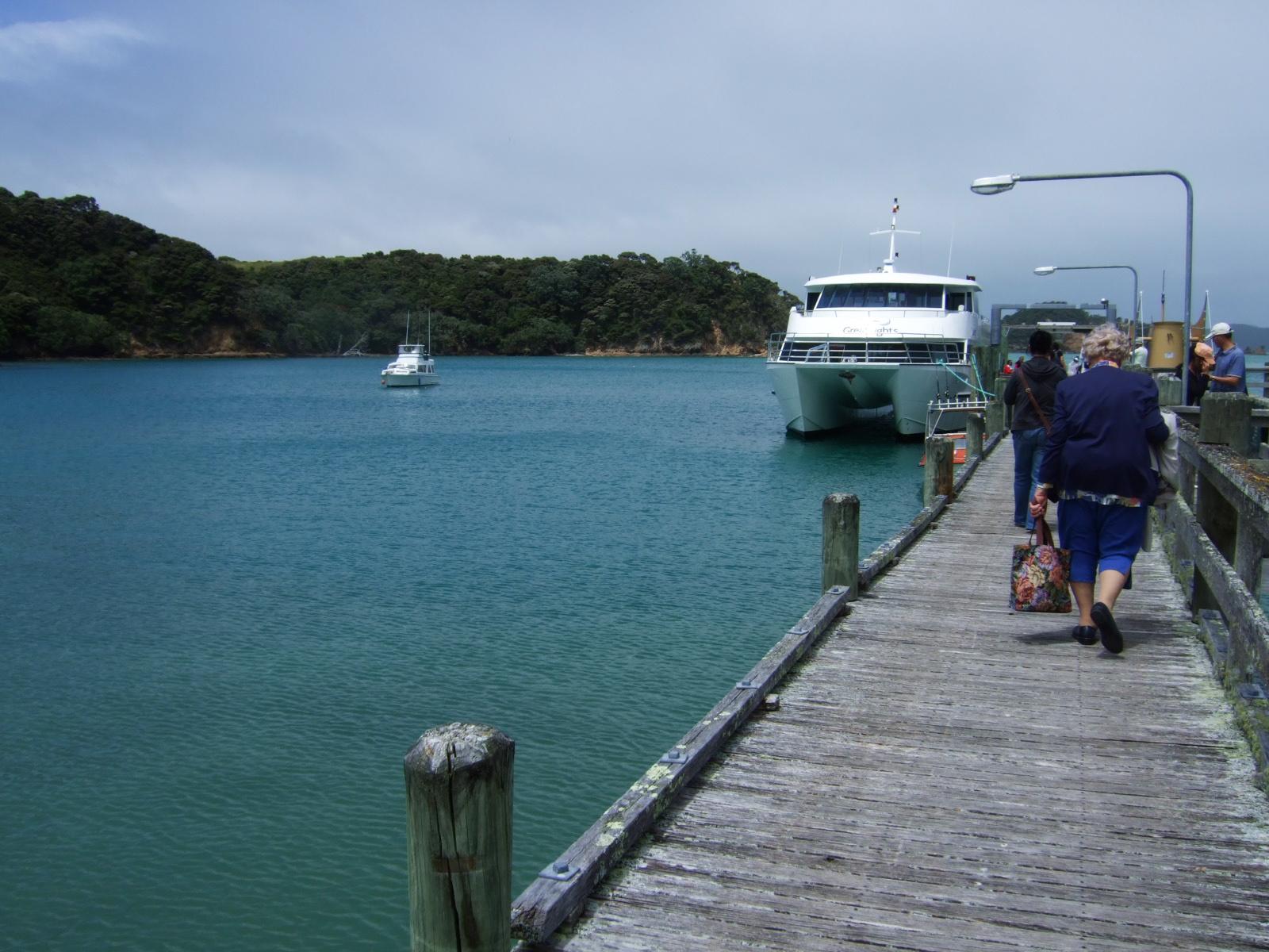 ウルプカプカ島,桟橋,遊覧船,NZ〈著作権フリー無料画像〉Free Stock Photos