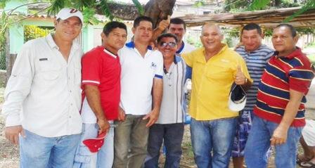 Miguel Vásquez es una candidatura de un independiente que une, que no polariza ni divide, que conjuga a todos los ciudadanos de las localidades que conforman el circuito Nº1 a trazar lo que es un sendero que permita continuar la lucha a favor de los más altos intereses del pueblo.