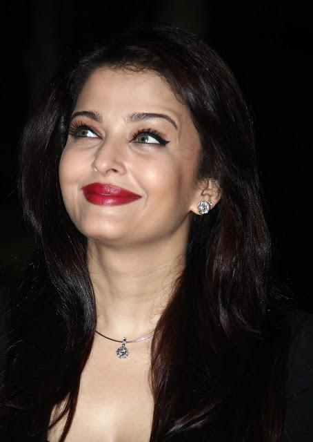 Aishwarya Rai Bachchan HD Wallpaper
