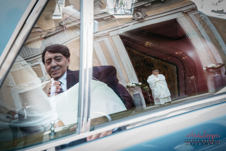 foto matrimonio arrivo sposa chiesa
