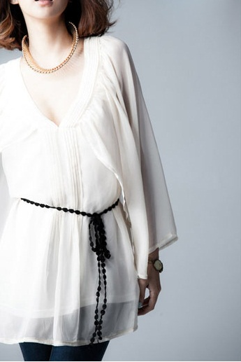 Korean Style : Blus Chiffon Tipis Putih