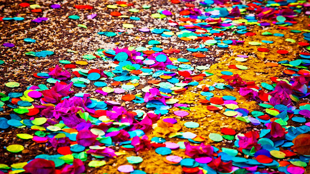 Colored Confetti HD Wallpaper