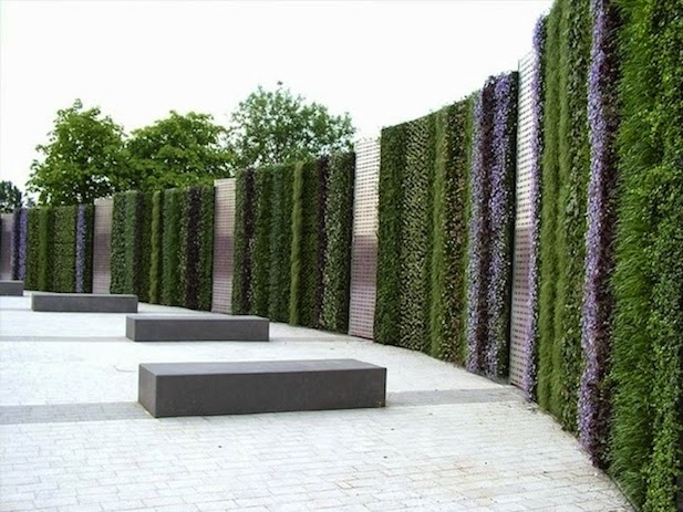 10 ideas para jardines verticales for Paredes de madera para jardin