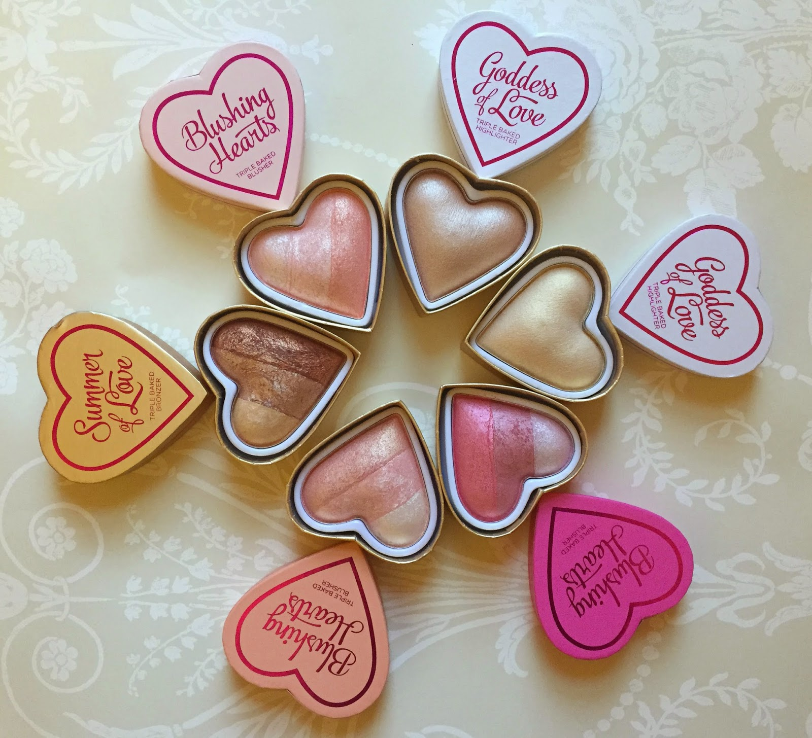 MAKEUP REVOLUTION | BLUSHING HEARTS ♡ REVIEW