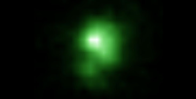 This is a Hubble Space Telescope image of the compact green pea galaxy J0925. The diameter of the galaxy is approximately 6,000 lightyears, and about twenty times smaller than the Milky Way. Credit: Ivana Orlitová, Astronomical Institute, Czech Academy of Sciences (Prague)