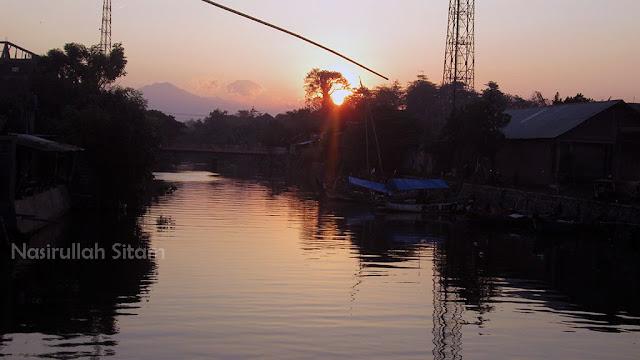 Sunrise di area Pasar Apung Jepara