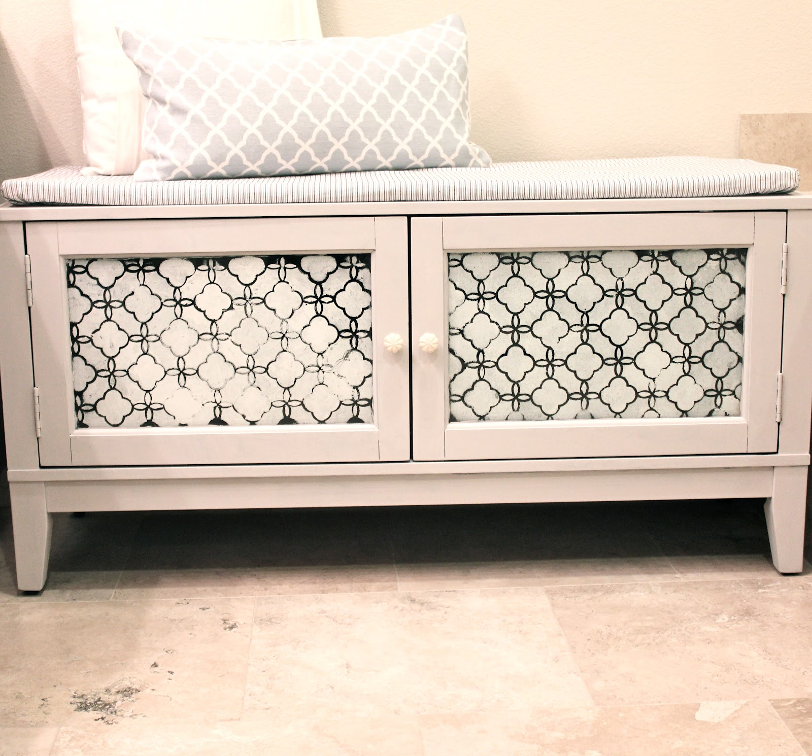 azzure diy bench with storage. Black Bedroom Furniture Sets. Home Design Ideas