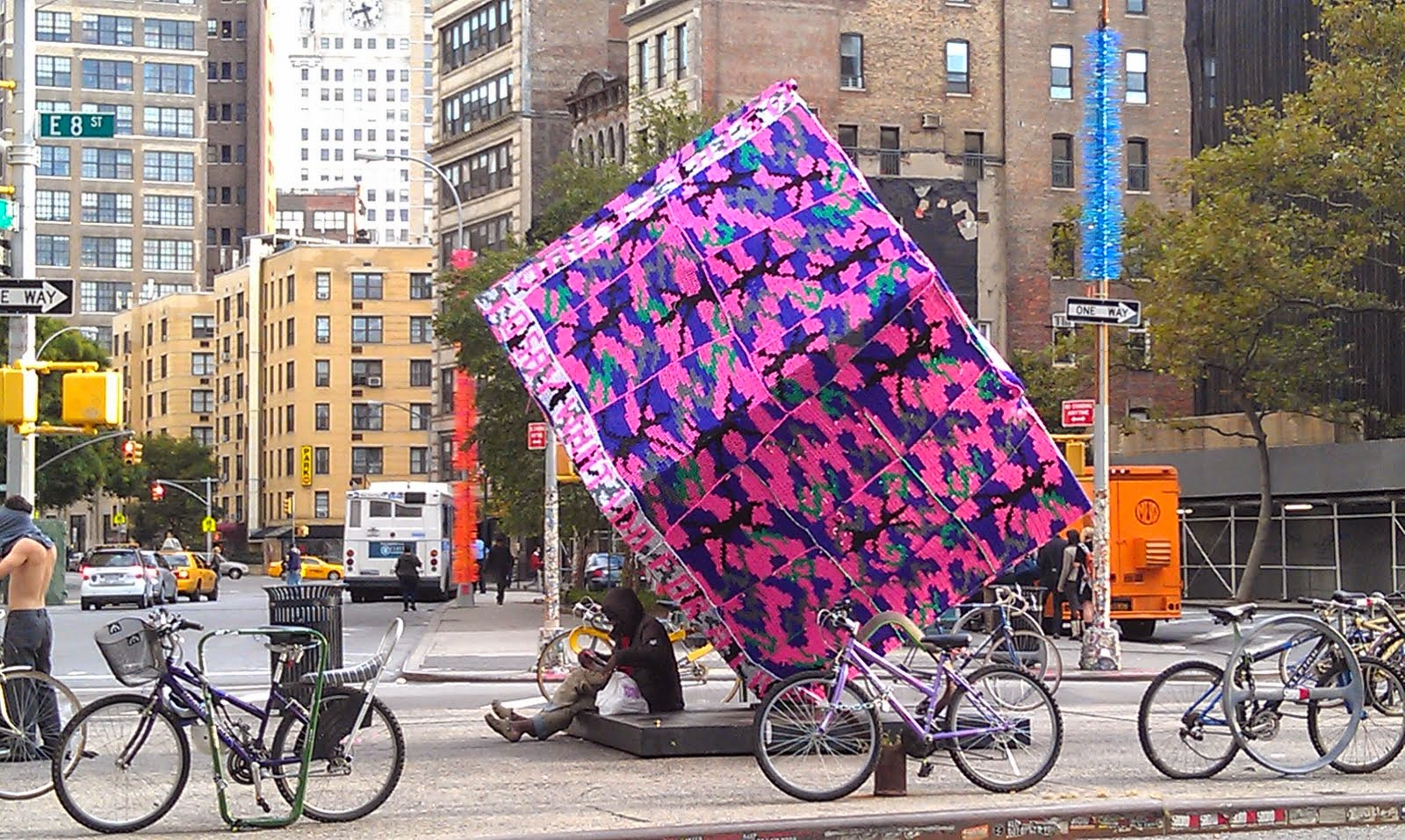 olek-yarn-bombing-crochet