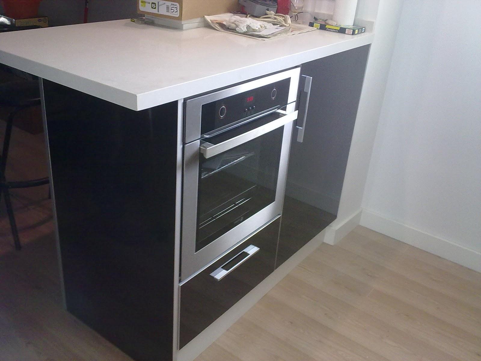Carpinteria los molinos fotos cocinas for Mueble para encastrar horno y encimera