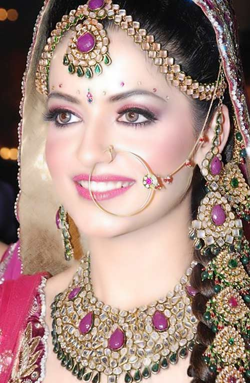 Traditional Wedding Makeup Pictures : Punjab : Punjabi Women Clothing
