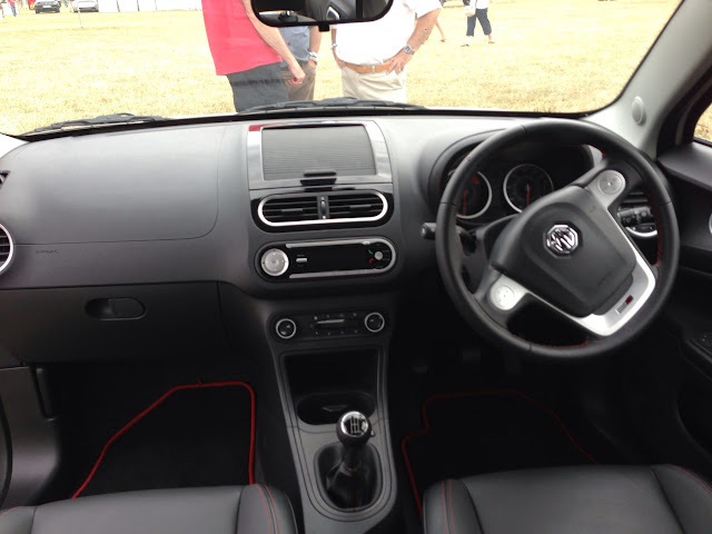 MG3 dash
