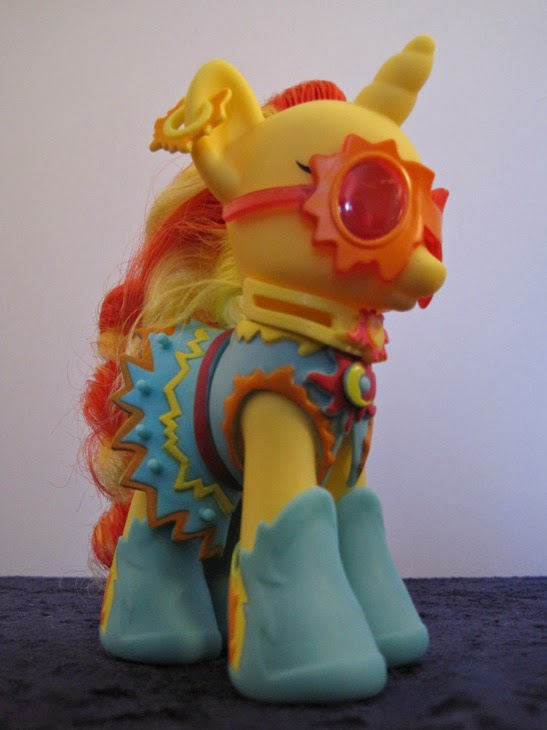 Cutie Mark Magic Fashion Style Sunset Shimmer, front view.