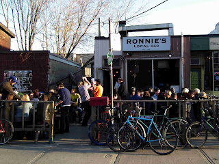 Ronnies local 069