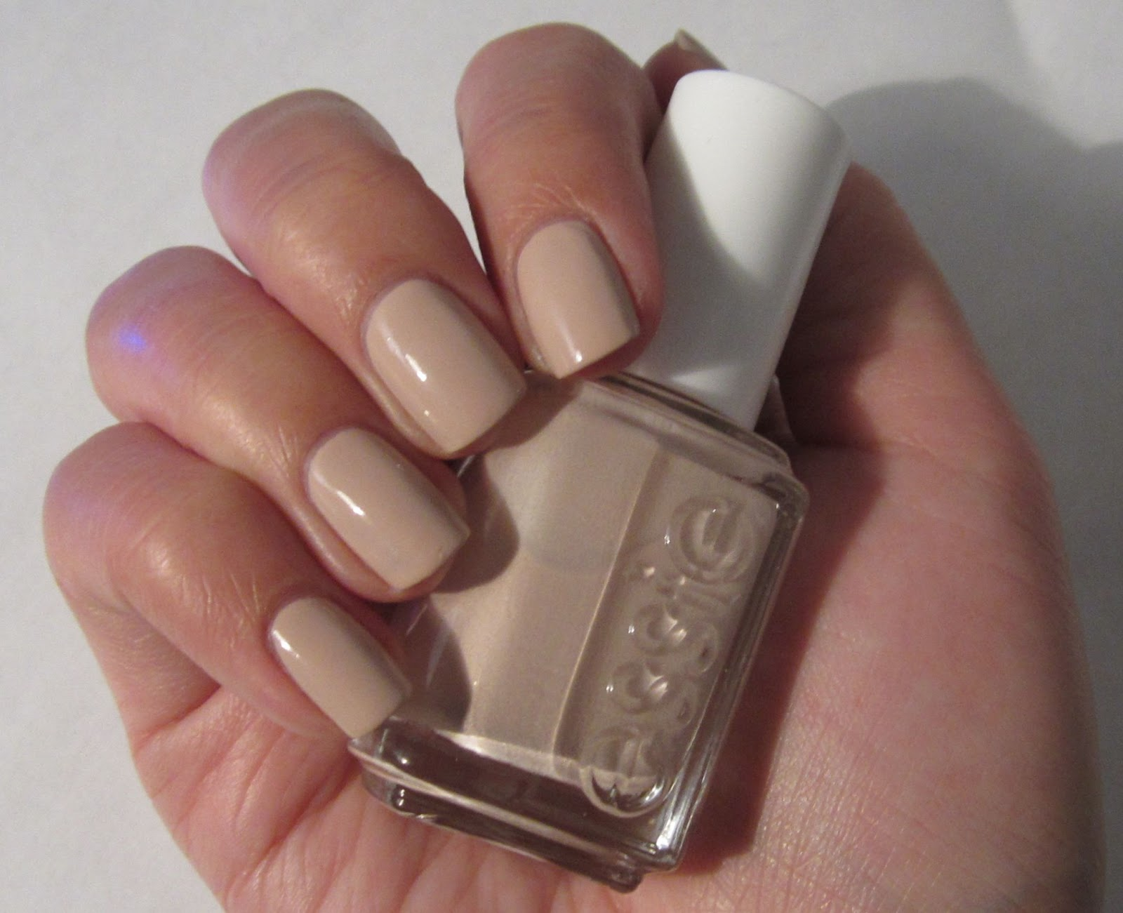 Shaping Nails Oval and Essie Barefoot & Topless