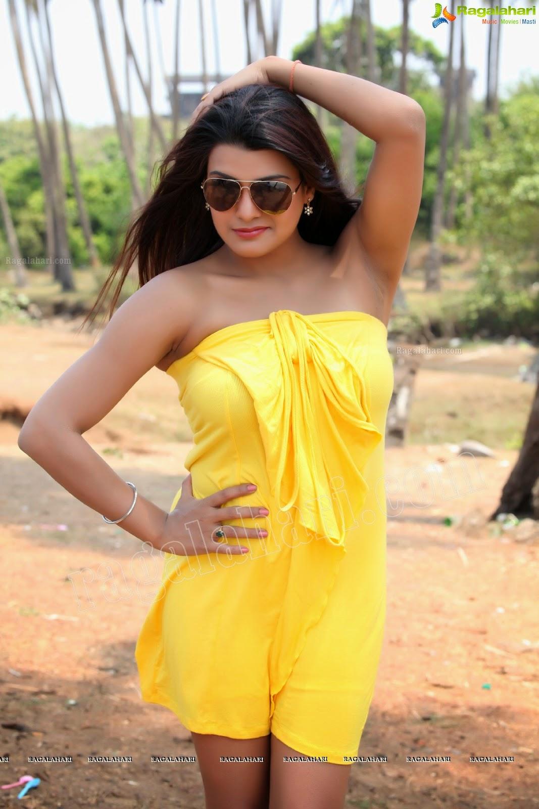 Tashu Kaushik Hot Armpit Show in a mini Sleevless Dress