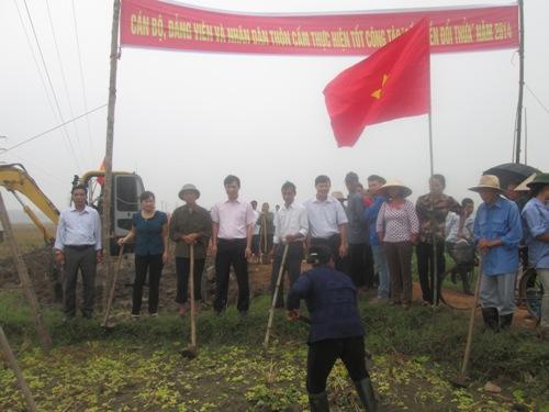 Lễ ra quân dồn điền đổi thửa tại Lương Phong