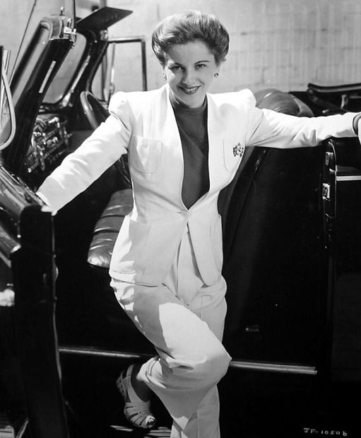 joan fontaine 1917 2013 the nonblonde
