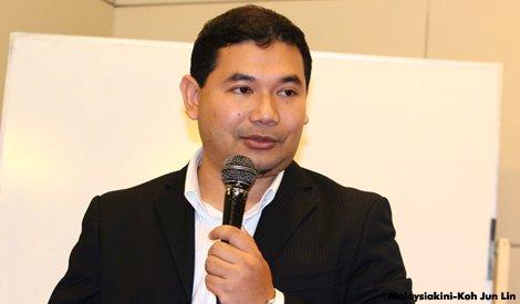 PKR Rafizi Ramli mempersoalkan pengumuman kenaikan gaji penjawat awam