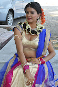 Manisha singh new sizzling pics-thumbnail-9