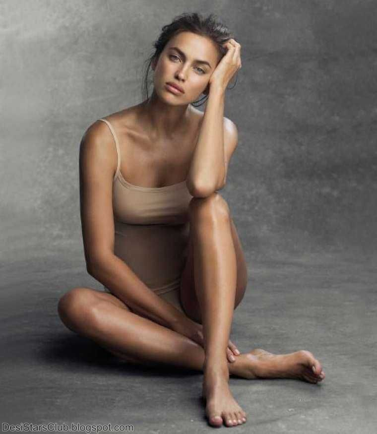 Irina Shayk Photo Gallery in Intimissimi Collection 2017