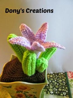 Amigurumi Cactus And Flower Crochet Pattern : 2000 Free Amigurumi Patterns: Cactus Asclepiadaceae