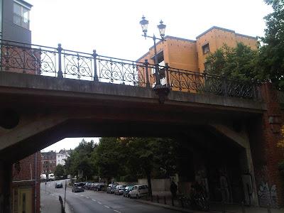 Brücke Hamburger Hochstraße - Drunter geht's zum Hafen in St. Pauli