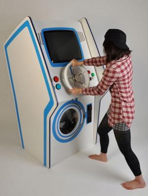 Mesin basuh yang boleh bermain permainan video