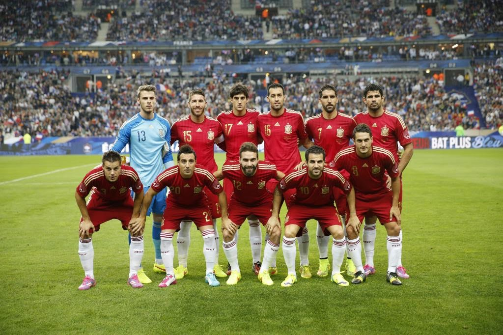 SPAIN FOOTBALL TEAM PHOTO vs FRANCE