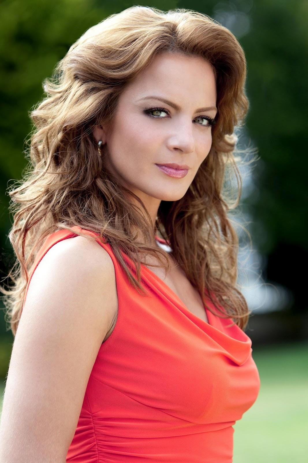Mamasitas online fotos de silvia navarro for Silvia reguera