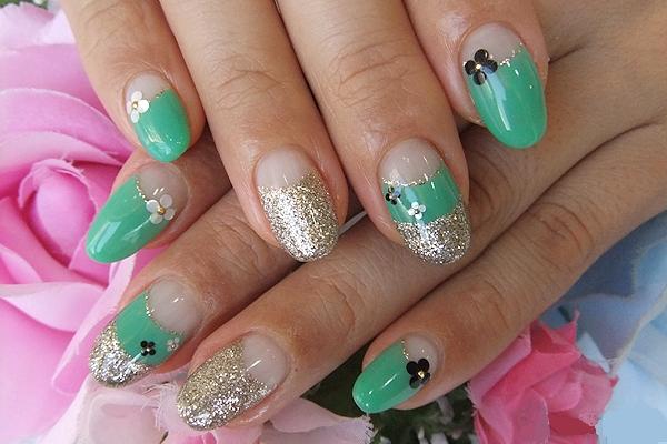 Las mejores uñas de colores | Color verde exótico