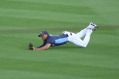 Desmond Jennings makes a diving catch