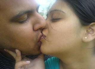 kiss photo, story with pic, chudai kahani, Sweet kisses, Hot Kiss, Desi Girl