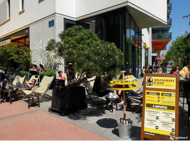 terrasse transat chaise longue restaurant poulet purée à Boulogne rotissage rotisserie cantine ThatsMee.fr