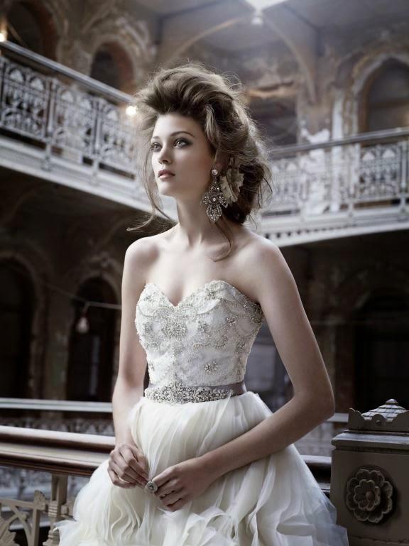 Robes de mariage Lazaro 2011