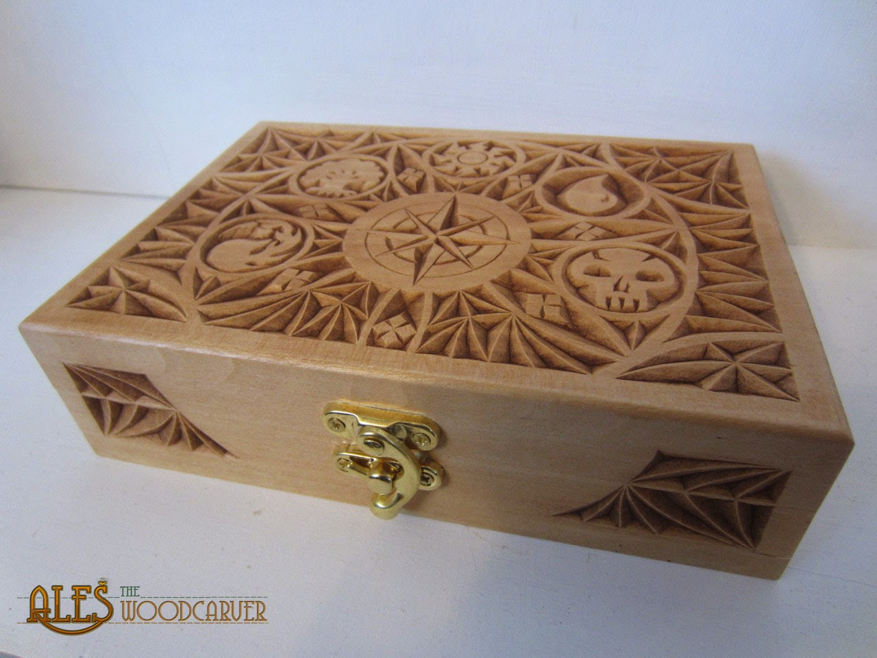 Ales the woodcarver card boxes for mtg commander decks