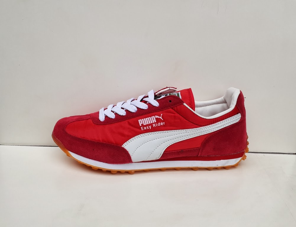 sepatu Puma Easy Rider warna merah