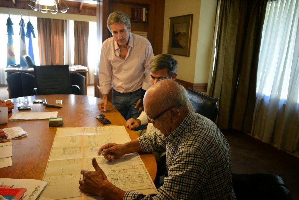 Firma de convenio entre Cuspin y la municipalidad