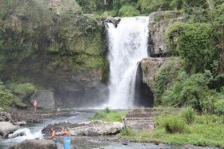 Bali: Tegenungan Waterfall