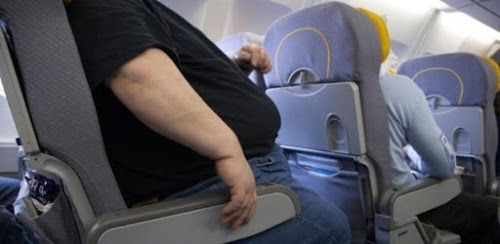 A controversa ideia de cobrar mais de passageiros obesos em viagens aéreas