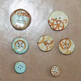 Izzwizz Creations: Decorating buttons with patterned ...