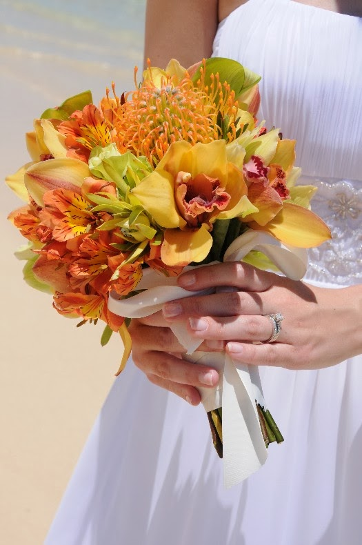 hawaiian wedding bouquets wedding stuff ideas