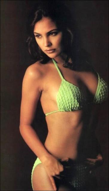 Lara Dutta naked