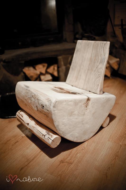 Banco reutilize tronco de madeira