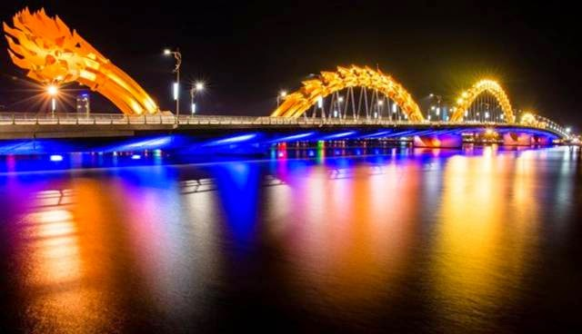 This dragon-shaped bridge was completed in 2009 and it spans the River Han. Each night at 9 pm, the dragon lights up and breathes decorative fire.