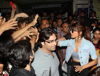 Hritik Roshan and Priyanka Snapped Promoting Krrish 3 Movie 26.JPG