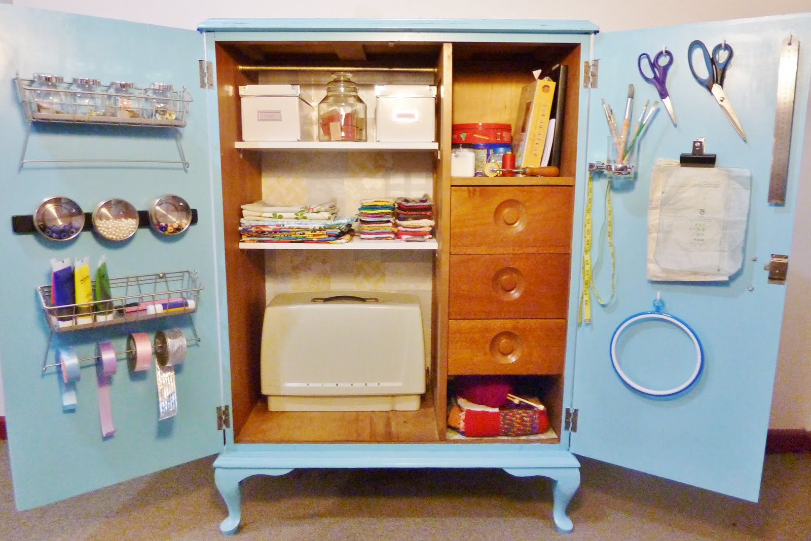 Born again creations craft cupboard - Reciclar muebles viejos ...