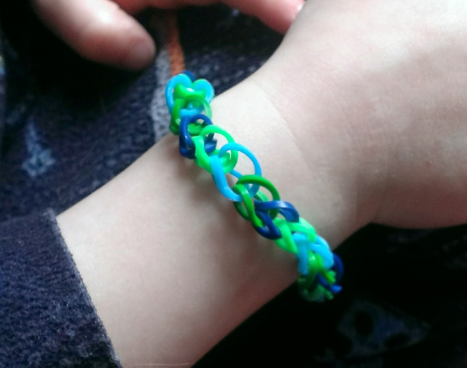 Laurel likes it rainbow loom rubber band refill